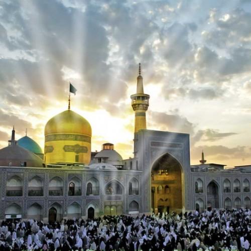 Visiting Imam Ridha (as)